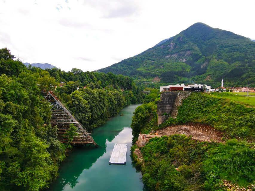Brücke über die Neretva